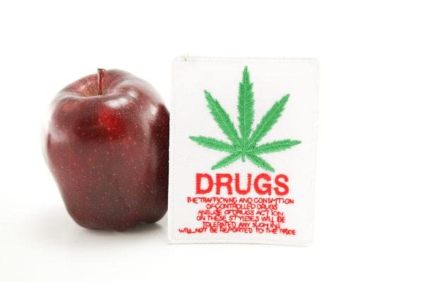 Ecusson Blanc Trafic et Consommation de Drogue