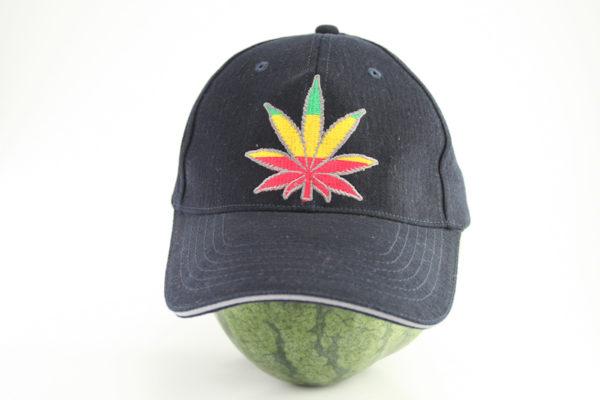 Casquette Noire Flexfit Cannabis