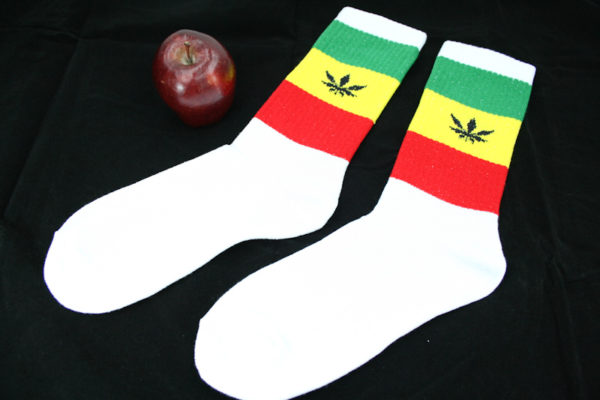 Chaussettes Rasta Longues Blanches Feuille Cannabis