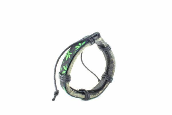 Bracelet Cuir Noir Feuilles Cannabis Vertes