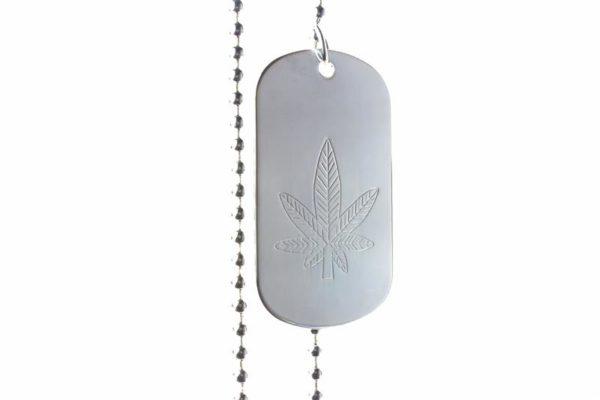 Collier Plaque Militaire Gravée Cannabis