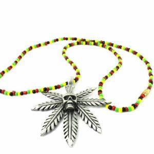 Collier Perles Pendentif Cannabis Tête de Mort