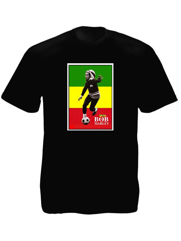T-Shirt Noir Manches Courtes Bob Marley Footballeur avec Drapeau Rastafari Vert